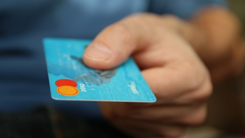 HOW TO BUILD AND MAINTAIN CREDIT