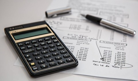 7 TIPS TO GET YOUR FINANCES ON TRACK